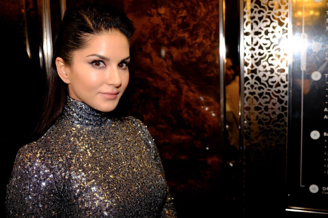 No Entry to Sunny Leone In Sanskari Bangalore for New Year's Eve