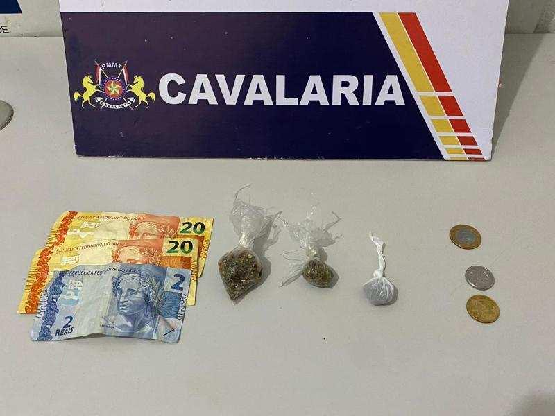 Homem acusado de importunar pessoas na rua é preso com droga em Nova Mutum-MT