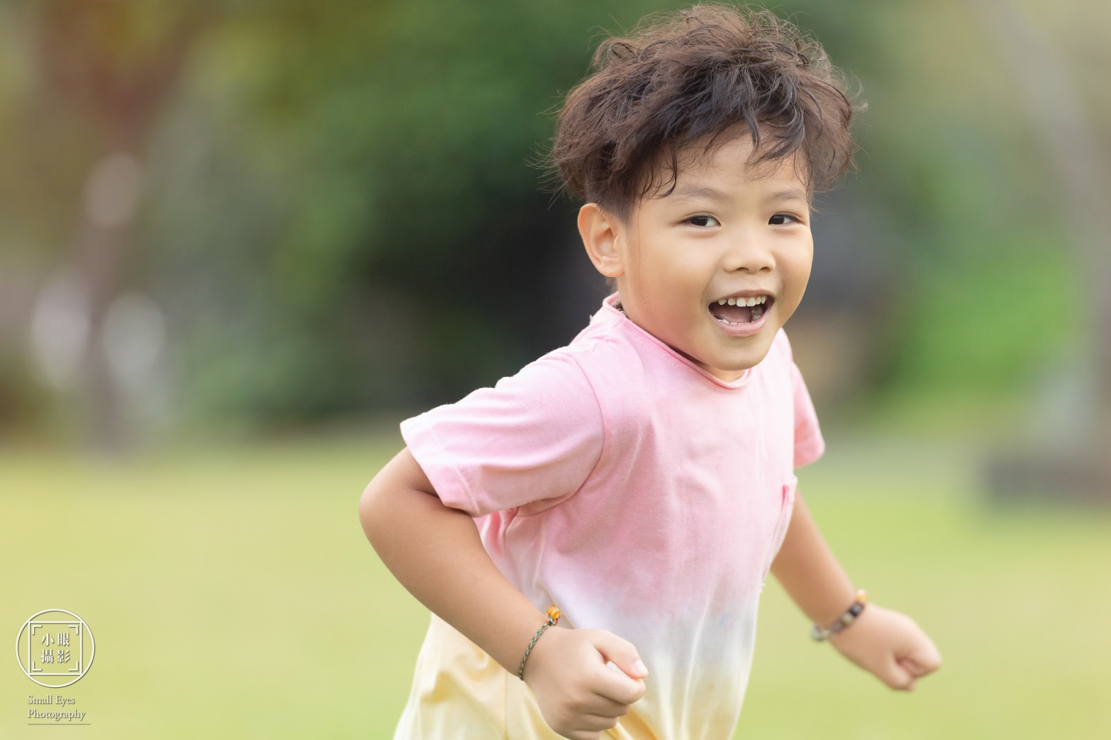 小眼攝影,人像,家庭,親子,幼兒,兒童,寶寶,小孩,寫真,攝影,全家福,金山,朱銘美術館,戶外,兒童戲水,玩水