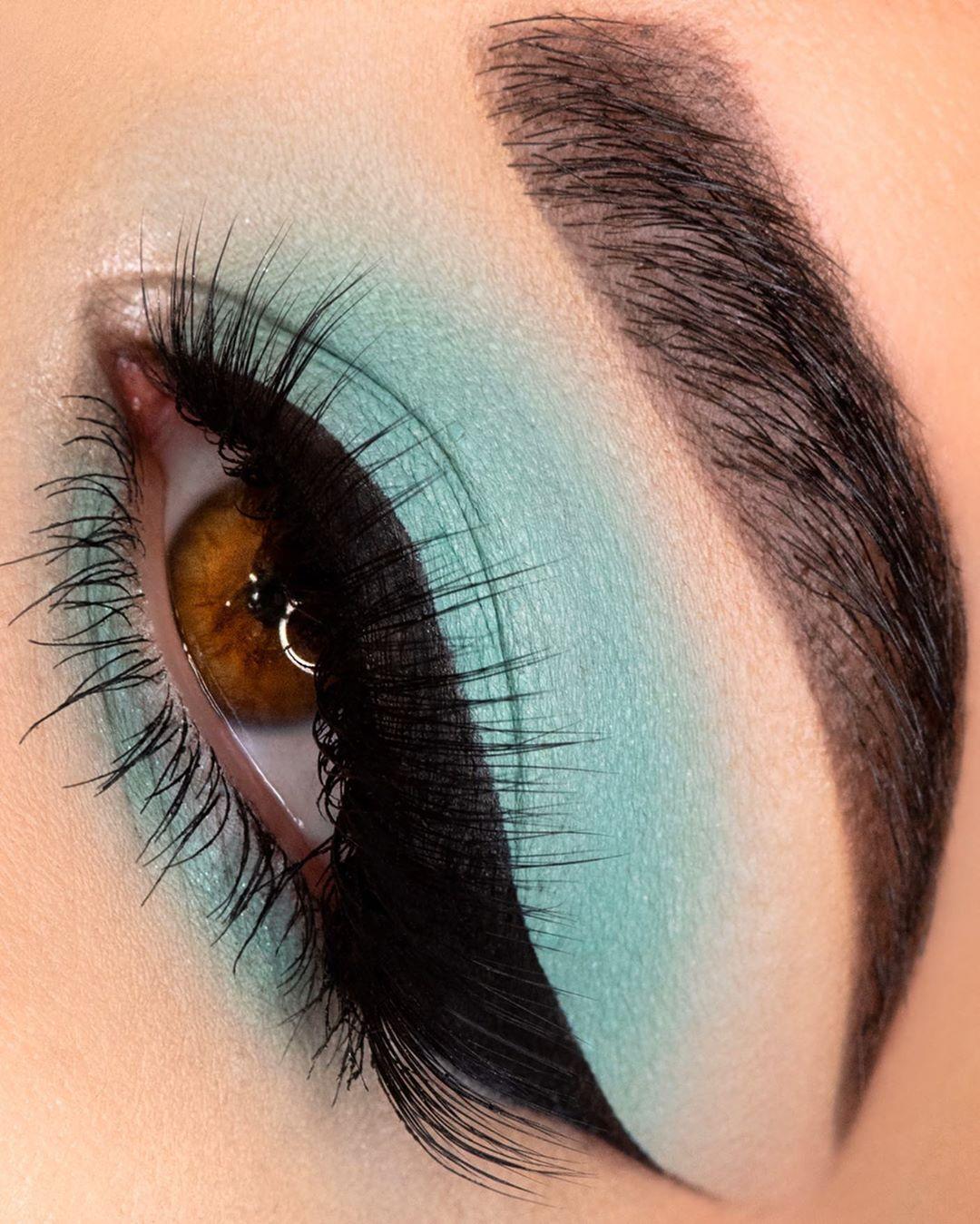Maquiagem sombra verde menta pastel