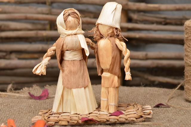 игрушка из листьев кукурузы