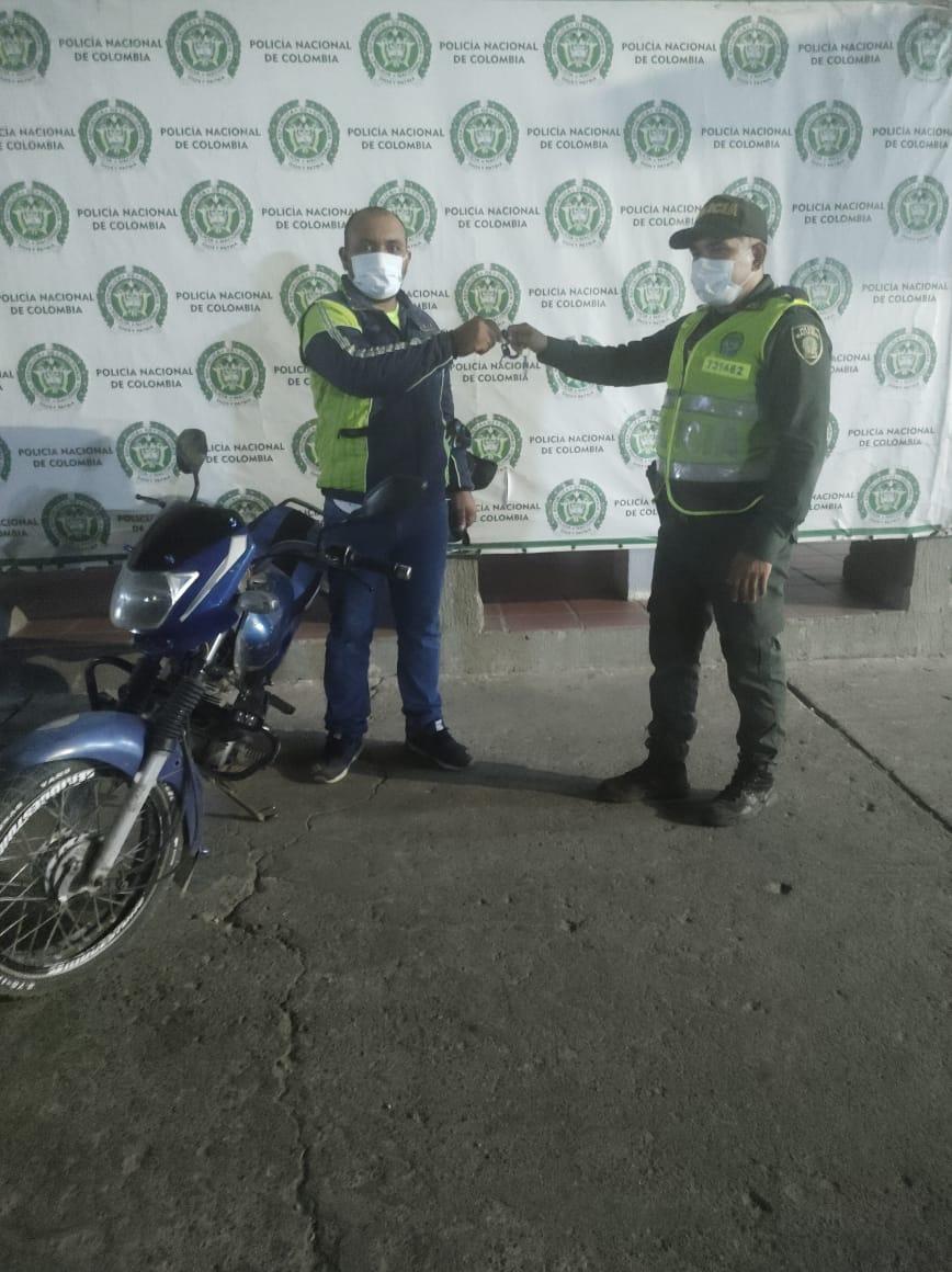hoyennoticia.com, En Maicao Policía recuperó moto robada