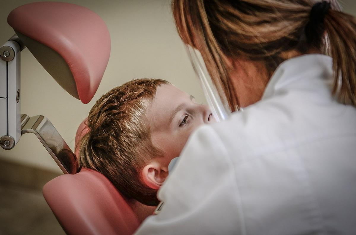 dentist-detal-care-machine