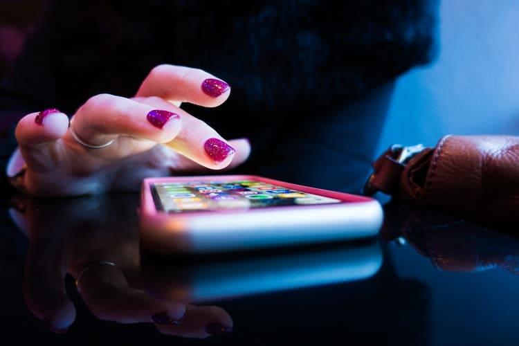 أهم ثلاثة تطبيقات يجب أن تكون موجودة على هاتفك في 2021 (لن تستغنِ عنها بعد الآن)