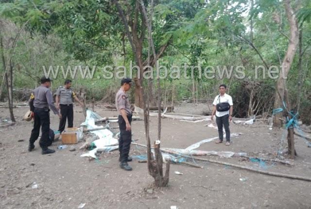Personel Polsek Lembang Polres Pinrang Bubarkan Judi Sabung Ayam