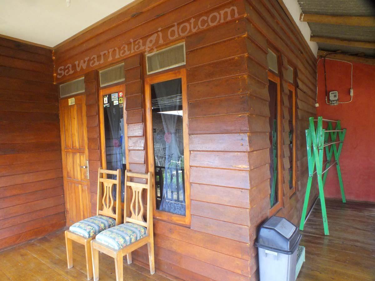 penginapan villa  dan Pondok Revi sawarna