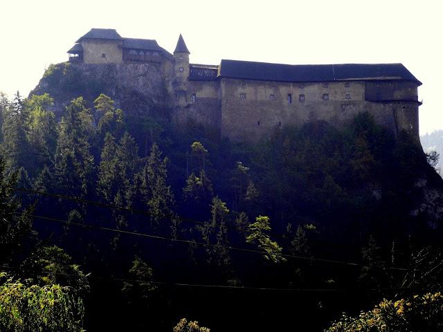 Bajkowy Zamek Orawski na skale - Słowacja Oravsky Podzamok