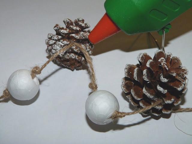 guirnalda-porexpan-piñas