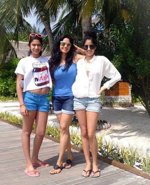 Yummy Mummies Actresses of Bollywood Super Adorable Pictures To Make You Smile