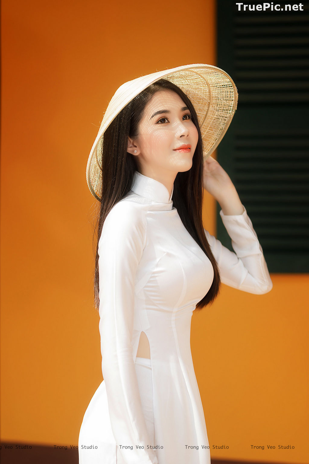 Image The Beauty of Vietnamese Girls with Traditional Dress (Ao Dai) #2 - TruePic.net - Picture-8