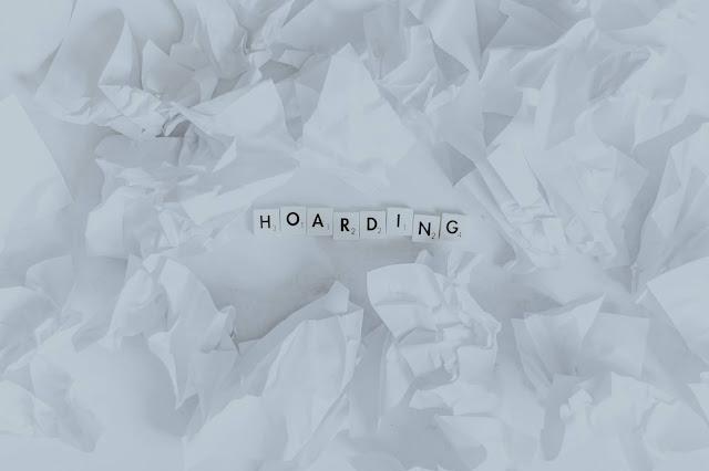 hoarding: Photo by Pawel Czerwinski on Unsplash