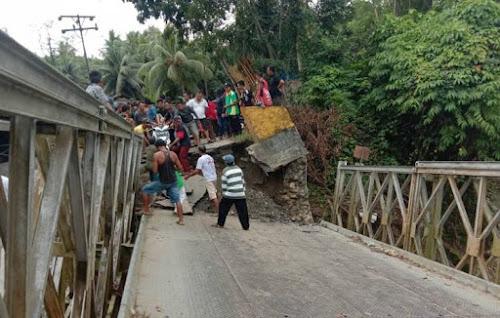 Jembatan Eho di Desa Ndraso Maniomolo Nisel Ambruk, Akses Transportasi Lumpuh