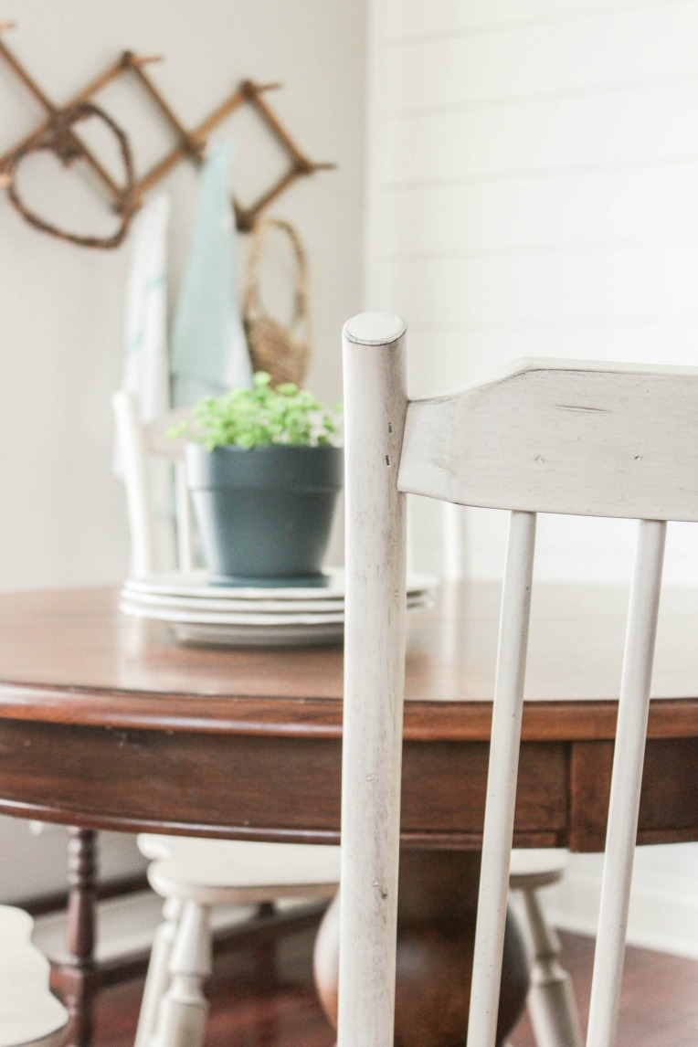white farmhouse kitchen chairs