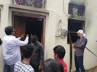 कमरे में जिंदा जल गये मां व दो मासूम बच्चे, तीन लोगों की मौत से परिवार पर टूटा दुखों का पहाड़ | #NayaSaberaNetwork