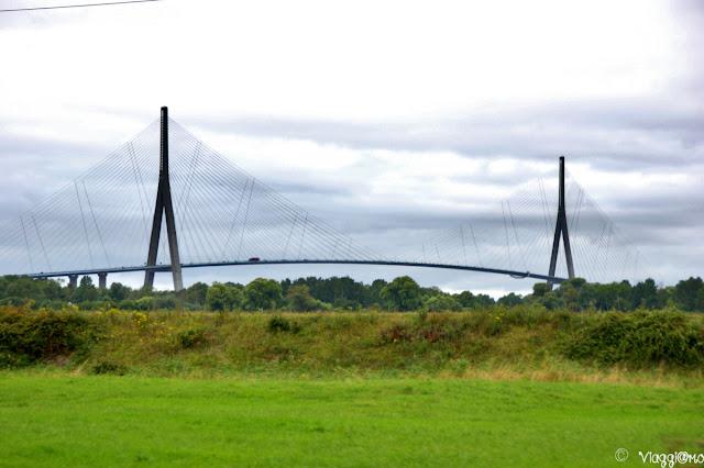Vista del Ponte di Normandia il più famoso lungo la Senna