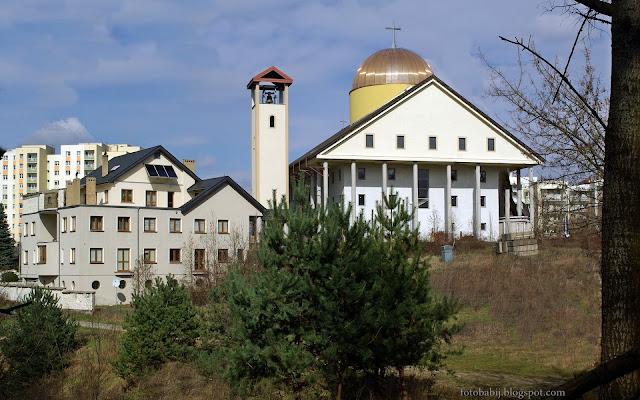 http://fotobabij.blogspot.com/2016/03/puawy-gorna-niwa-koscio-pod-wezwaniem.html