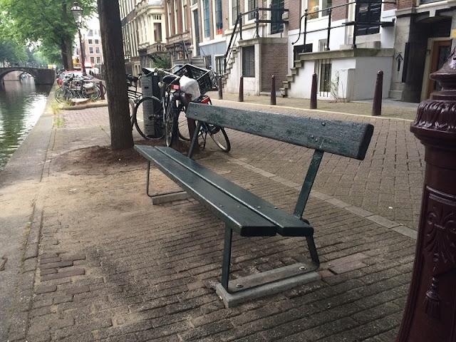 Banco da cena de A culpa é das estrelas em Amsterdã