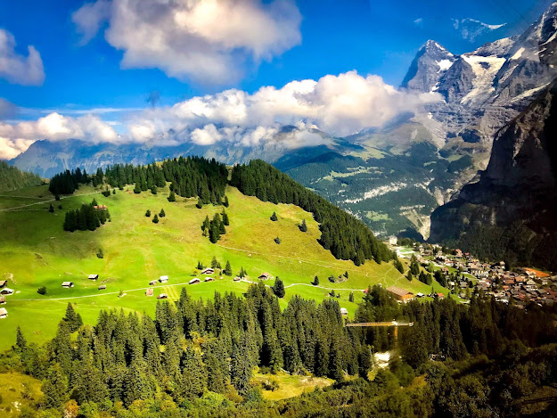 Download Beautiful wallpaper of mountains and greenery