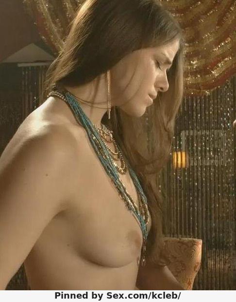 Kaniehtiio Horn nude scene
