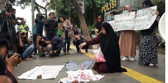 Gerakan Emak-emak Indonesia Bersuara' Minta Jokowi Hentikan Kekerasan Ke Rakyat