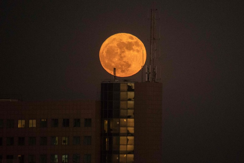 The last full moon of 2017 will be the first, last and only supermoon of the year that can be seen with the naked eye.