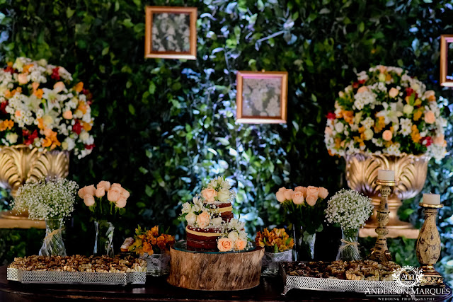 casamento real, destination wedding, mini wedding, cerimônia na praia, casamento ao ar livre, anderson marques, naked cake, mesa do bolo, muro inglês, decoração colorida
