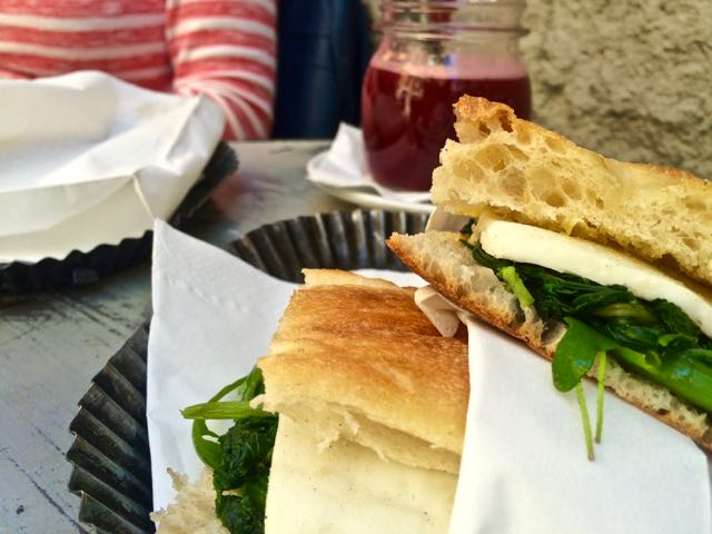 Where to eat near the Trevi Fountain