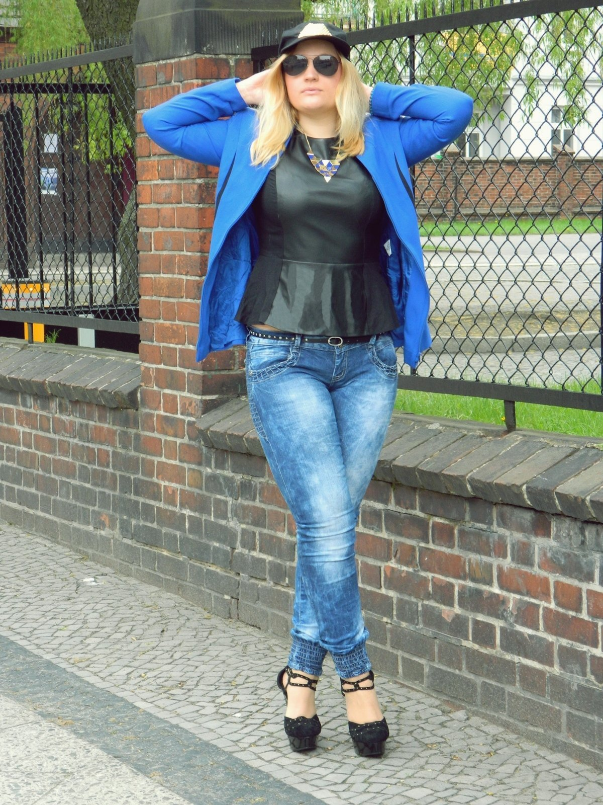 żakiet-niebieski