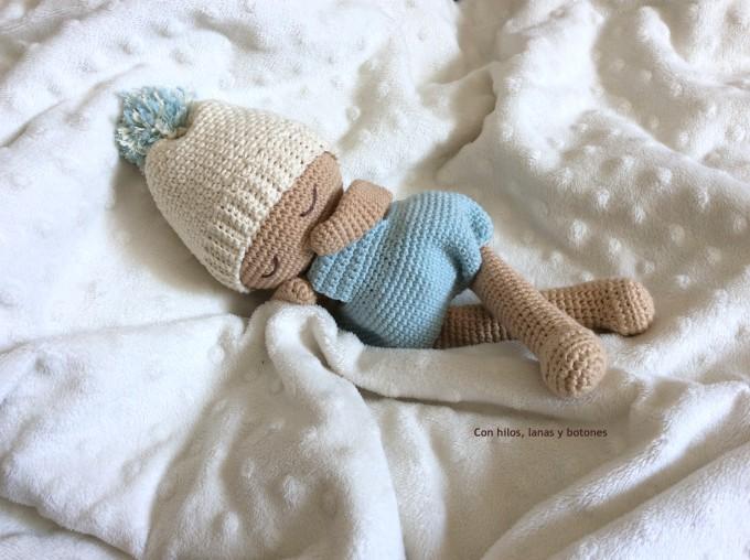 Con hilos, lanas y botones: Rubén amigurumi (patrón de La Crochetería)