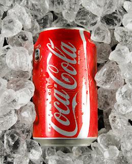 https://1.bp.blogspot.com/-3lRajcFxQuY/UjnbExBeStI/AAAAAAAABJE/n2KvpyOyH-I/s320/Coca_Cola_in_ice_411vibes.jpg