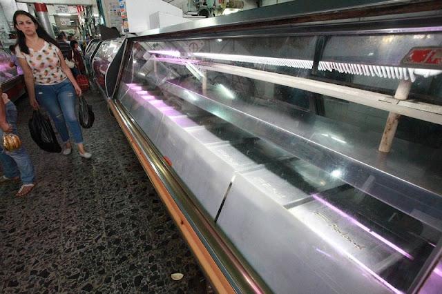 Rápido! Desaparecieron de los mercados los productos regulados ayer por Maduro