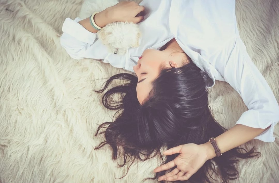 Cara Membersihkan Kulit Wajah Sebelum Tidur