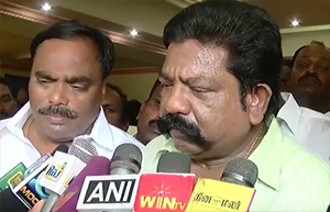 Is DMK Buying Key People from Other Political Parties ? Another Vijayakanth's Key man Joins DMK