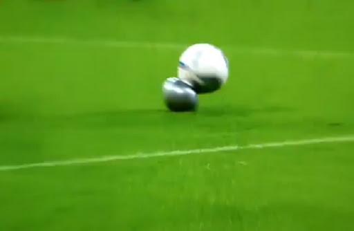 The ball burst in the Bundesiga match between Bayern Munich and FC Köln