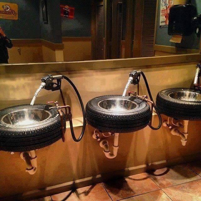 بنزين المراحيض - ابتكارات غريبة وأفكار عجيبة يمكنك فعل مثلها