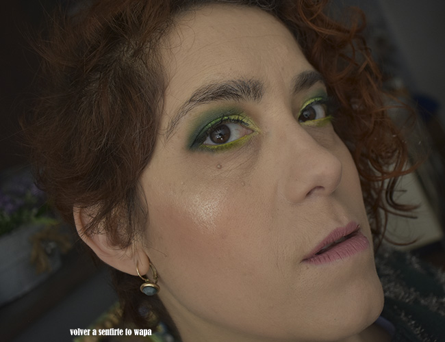 Maquillaje degradado en color verde