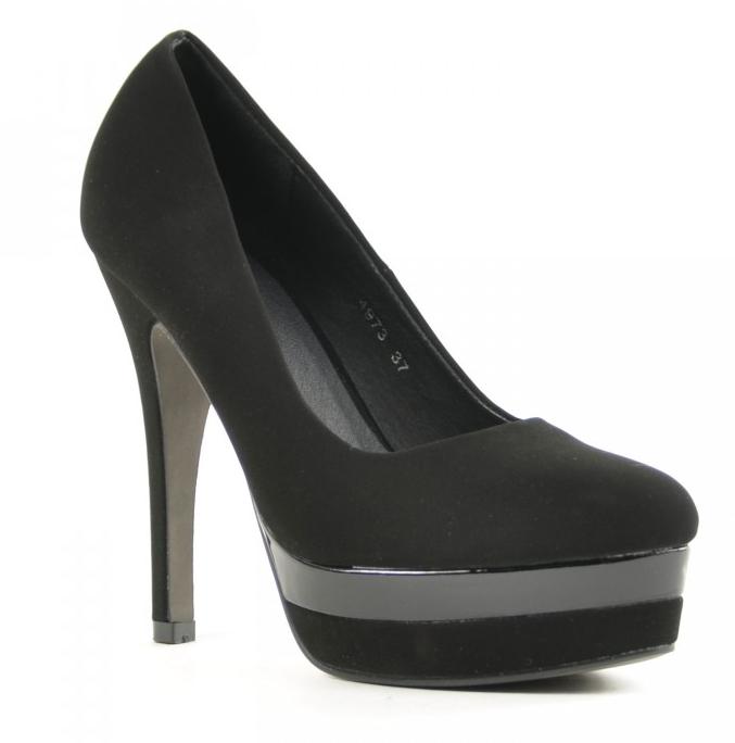 liebe high heels. Black Bedroom Furniture Sets. Home Design Ideas