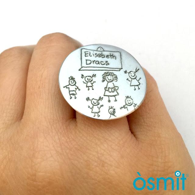 anillo grabado dibujo profe