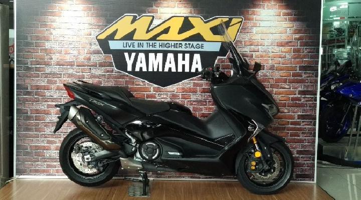 Yamaha Tmax DX Mulai Diserahkan ke Konsumen, Simak Harganya