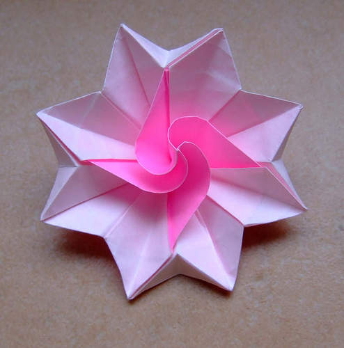 How To Make Origami Flowers, Simple Origami Flower Design ... - photo#2