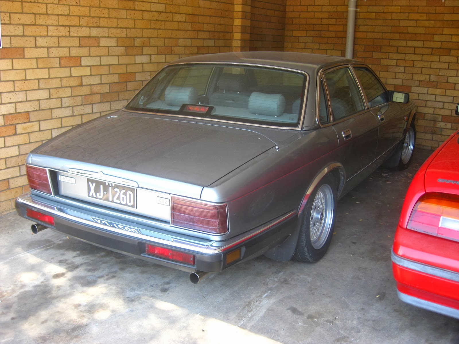Aussie Old Parked Cars: 1993 Jaguar XJ12 (XJ40)