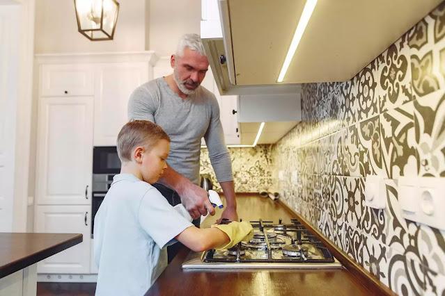 Cara Cerdas Melatih Anak Supaya Mau Membantu Pekerjaan Rumah