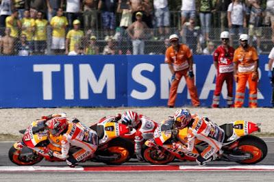 Marquez Komentari Overtake Rossi vs Lorenzo