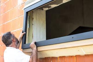"""""""Ciepły montaż"""" okien: czy warto?"""