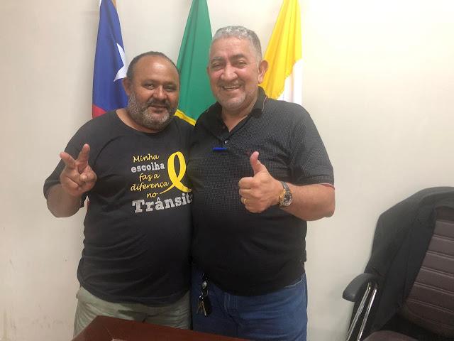 """Parente, a maior liderança do Parque Alvorada, declara o seu apoio a Zé Carlos """"Pé de Pato""""!!!"""