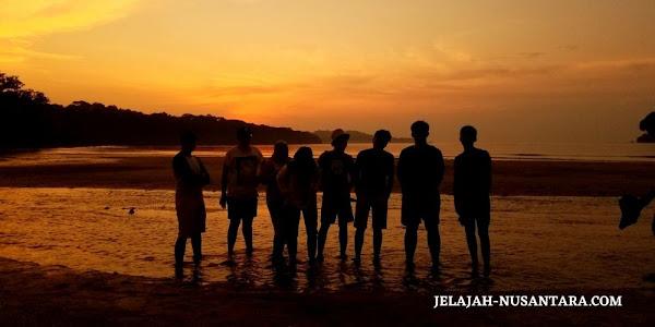 aktivitas wisata menunggu sunset di pulau peucang ujung kulon