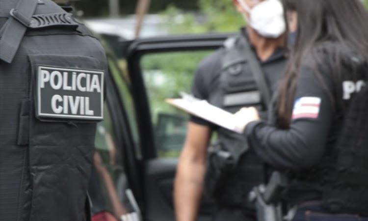 Polícia cumpre mandado em casa de vereador suspeito de Rachadinha