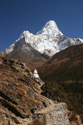 Ama Dablam et stupa