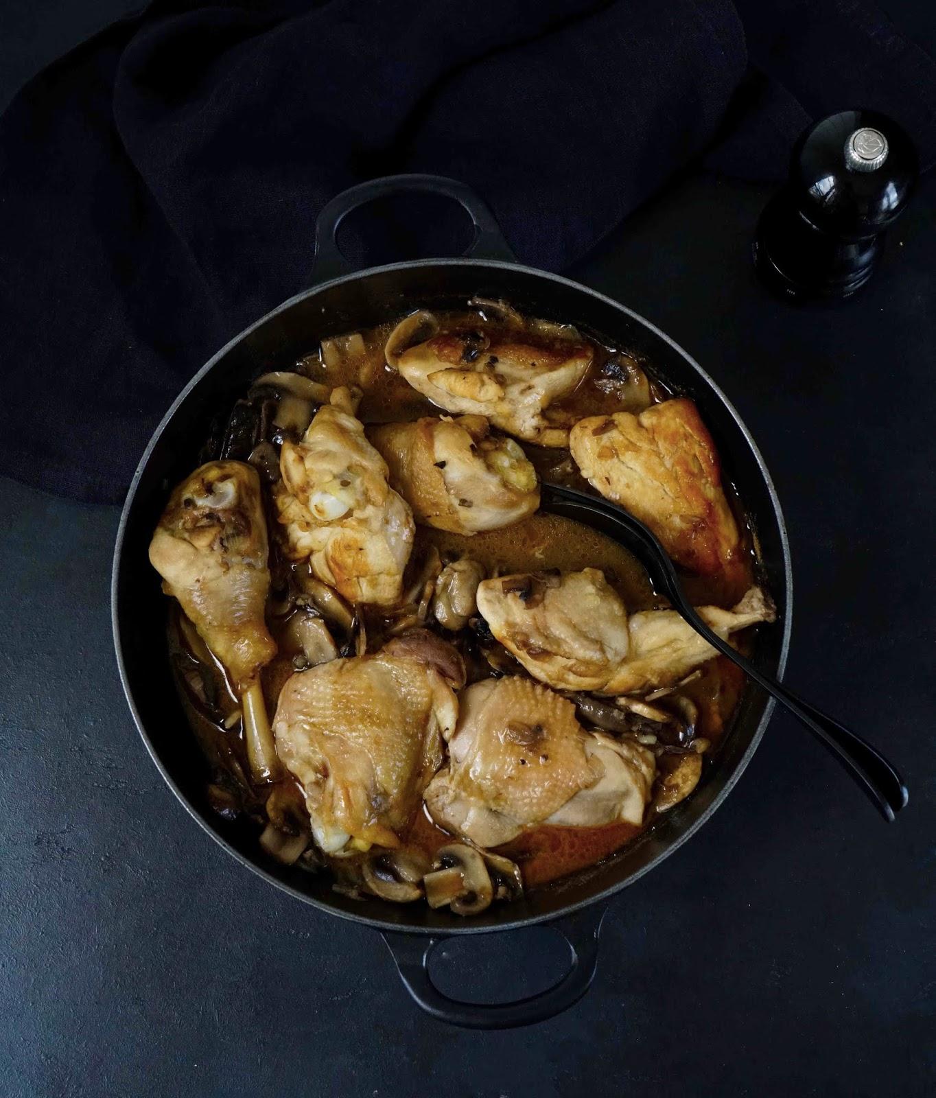 recette CAP , poulet en sauce , cuisine française , champignons