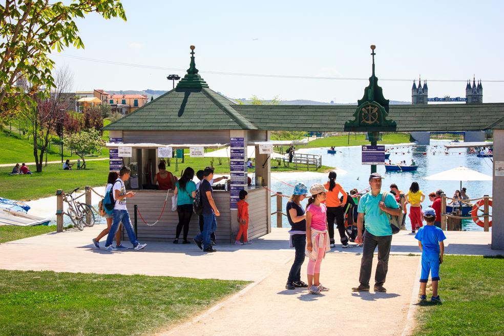 Quiosco en Parque Europa, Torrejón de Ardoz, Madrid, 2014